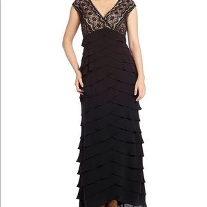 👠Adrianna Papell Tiered Black Evening gown👠